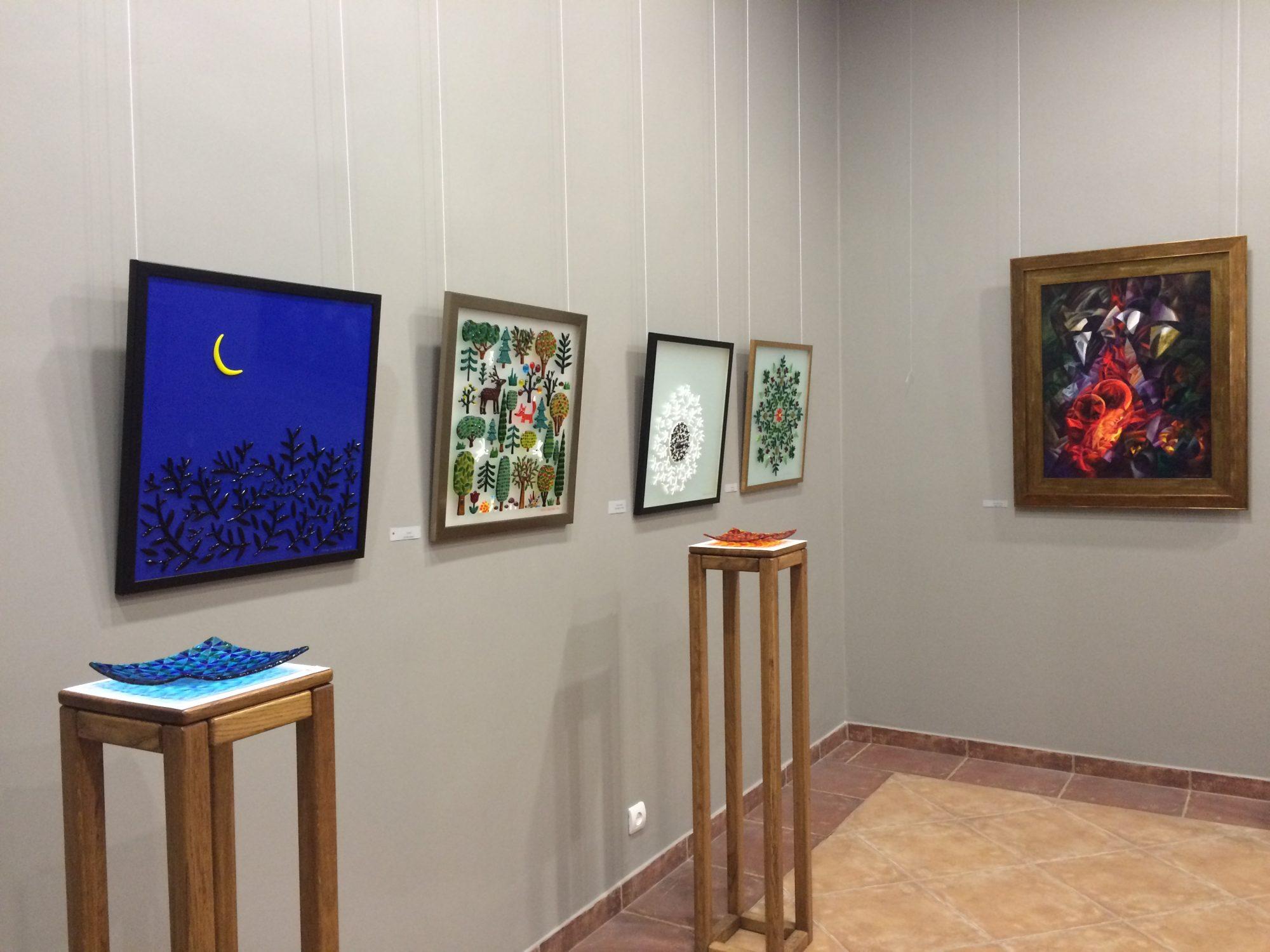 Exhibition Сolored reincarnation. Виставка Кольорові перевтілення.
